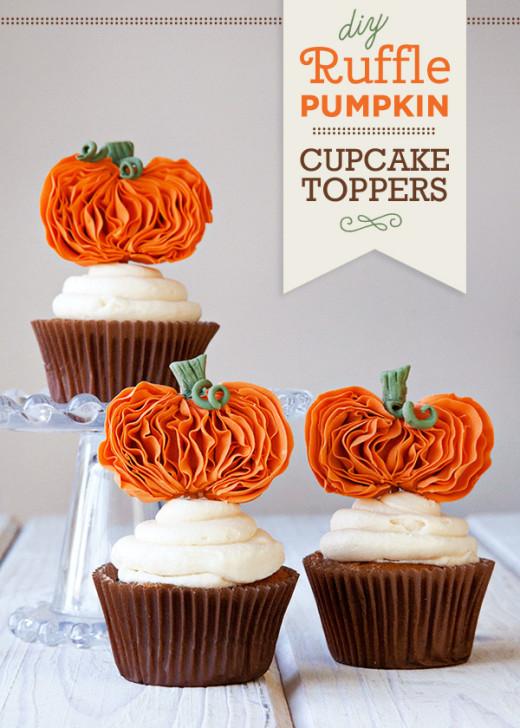 DIY Ruffle Pumpkin Cupcake Toppers
