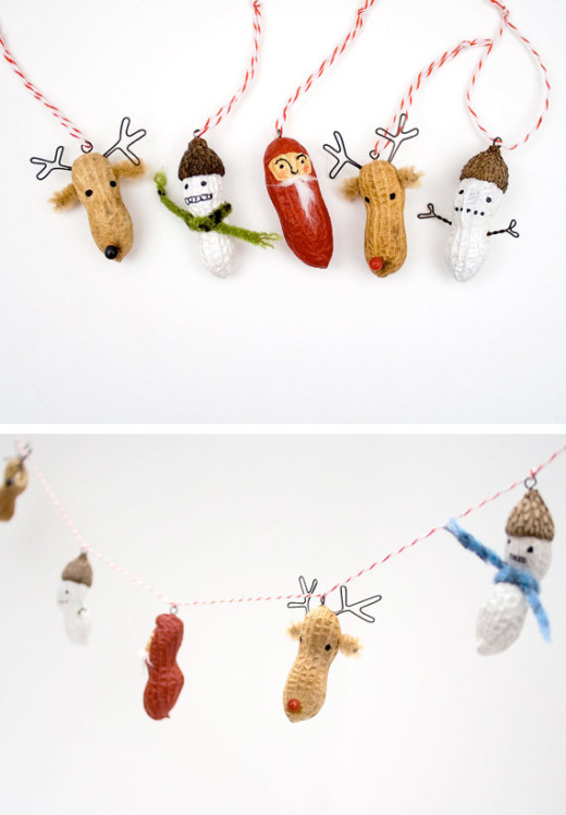 Peanut Christmas garland in Decoration for babies, children and adults parties, for events such as anniversaries or birthdays or dinners