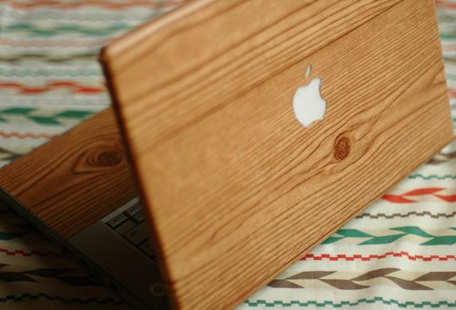 DIY Wood-Grain Laptop Wrap – Fine and Feathered