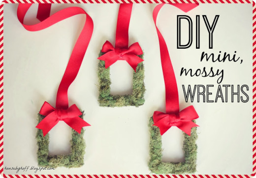 DIY Mini mossy wreaths