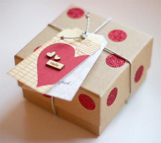 Gift Wrap: Glitter, Kraft, Wood & String