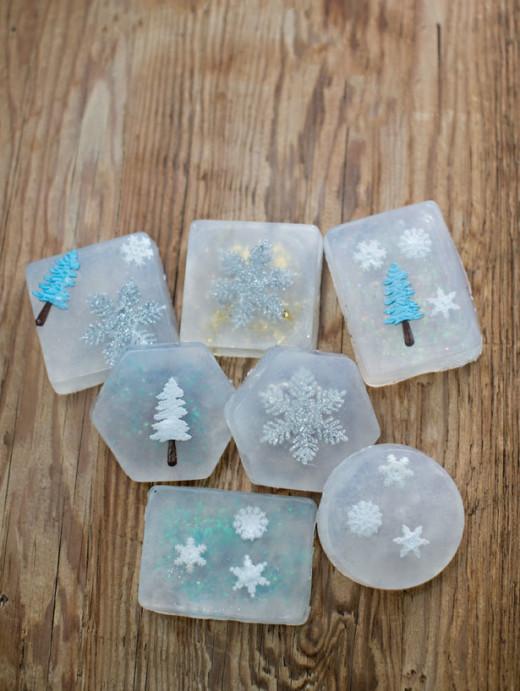 EASY HANDMADE CHRISTMAS SOAPS