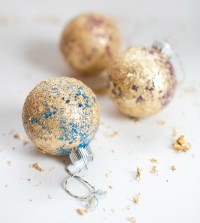 How to Make Easy Christmas Decorations with Gold Leaf
