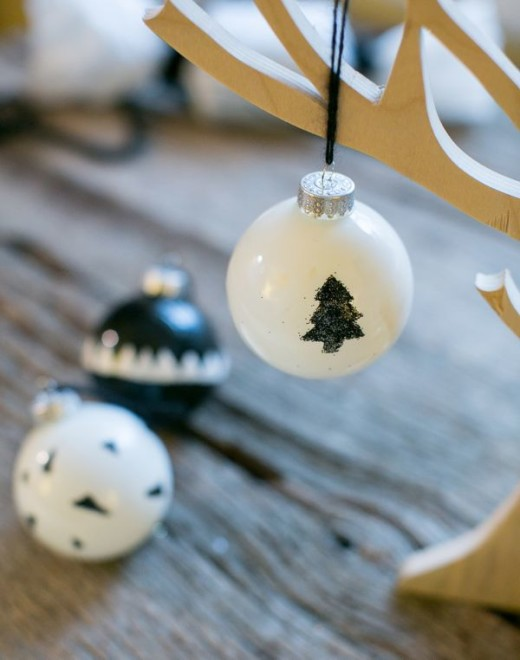 How to Make Stylish Black and White Glass Christmas Baubles