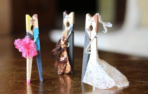 Kissing Clothes Pin Couples | Lilyshop