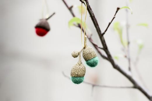diy felted acorn ornaments