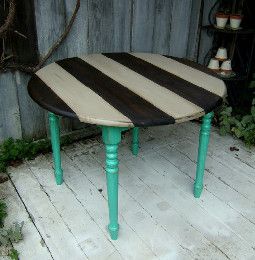 DIY school of restoration: striped round table