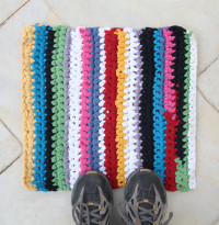 Crocheted T-Shirt Yarn Rug | DIY Reuse
