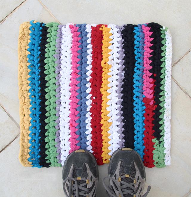 Crocheted T-Shirt Yarn Rug | DIY Reuse | DIY & Crafts