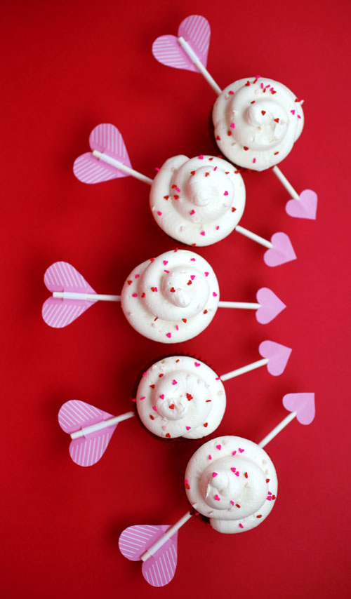 Cupid's Arrow Cupcakes | DIY Valentines Day Ideas