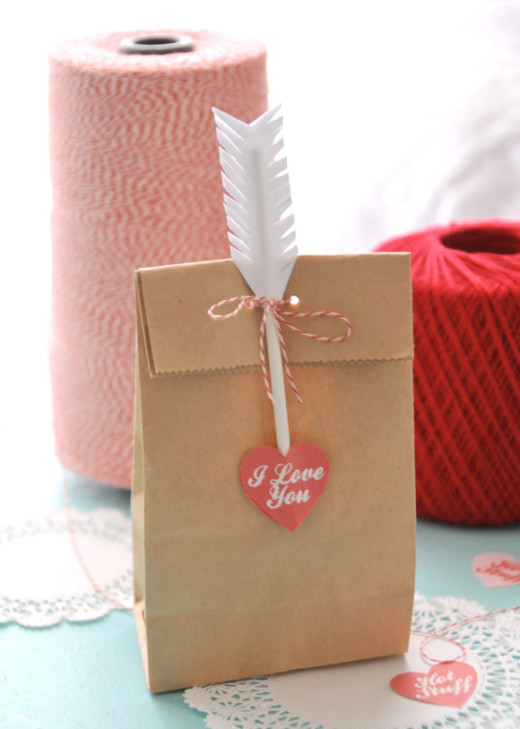 Treat Bag Toppers | DIY Valentines Day Ideas