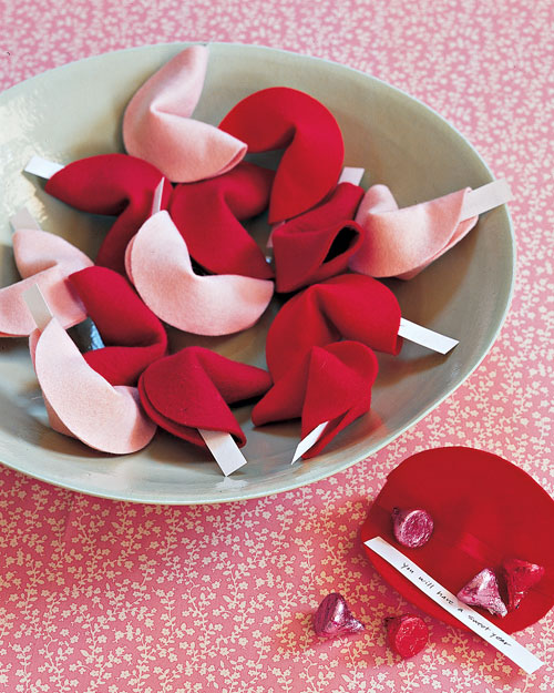 Felt Fortune Cookies | DIY | What to get your boyfriend for valentines day