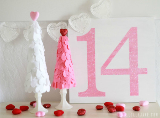 Felt heart Valentine trees | DIY Valentines Day Idea