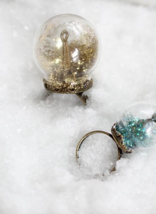 Glitter Snow Globe Ring | DIY