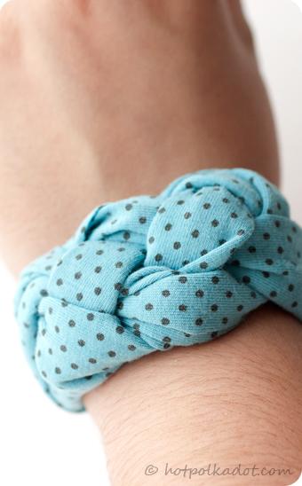 Knot bracelet DIY Reused T-shirt