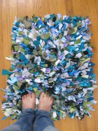 T-shirt shag rug | DIY reuse