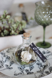 DIY TERRARIUM ESCORT CARDS
