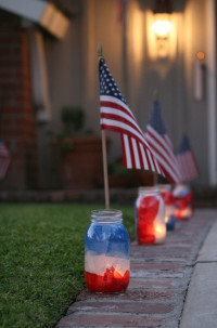 DIY Patriotic Mason Jar Luminaries