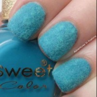 How to Recreate Fun Velvet Nail Polish | Guidecentral