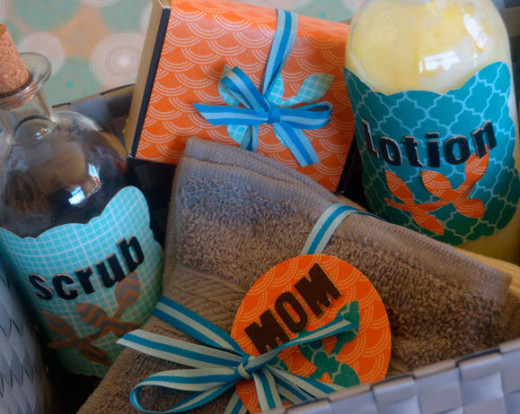 Mod Bath Basket for Mothers Day / Mothers Day