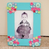 Mother's Day Button Photo Frame | From One Artsy Mama