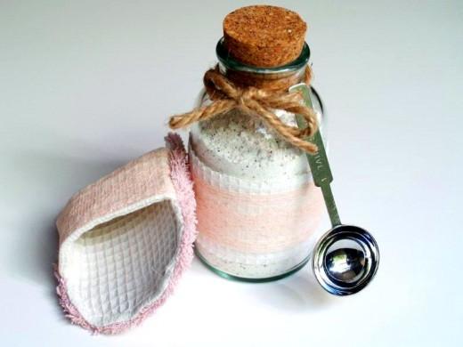 Spa Scrubbie and Tropical Bath Tea Soak! |Flamingo Toes