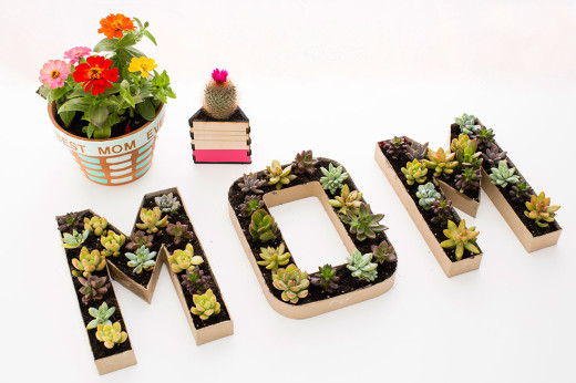 3 Modern DIY Planters to Gift Mom on Mother's Day – so cute and wonderful composition | From Brit + Co.