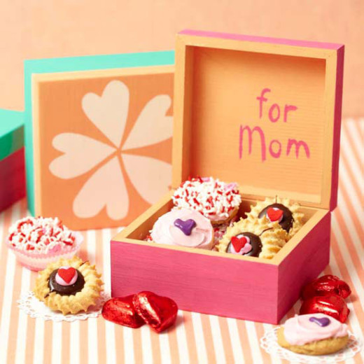 Painted Treasure Box | Mother's Day Gift Ideas