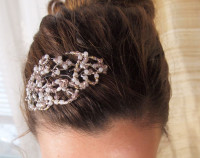 Vintage-Inspired Beaded Hair Clip